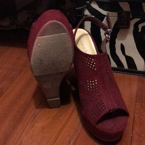 Chinese Laundry Shoes - Maroon wedges